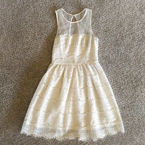 En Créme cream color lacy dress